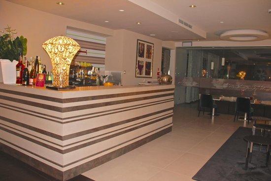 Eden Hotel: recpção