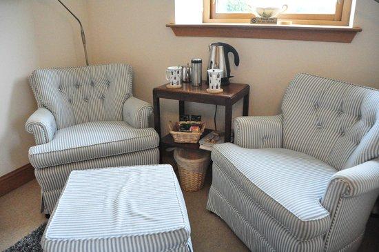 Lismore House B&B: Sitzecke mit Tee und Kaffe