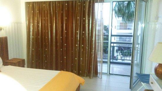 Asty Hotel : Room with balcony