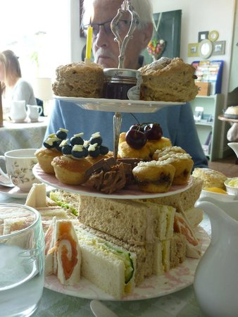 Heydon Village Tea Shop: Delicious afternoon tea