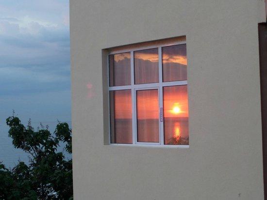 Luna Hotel: вид с балкона