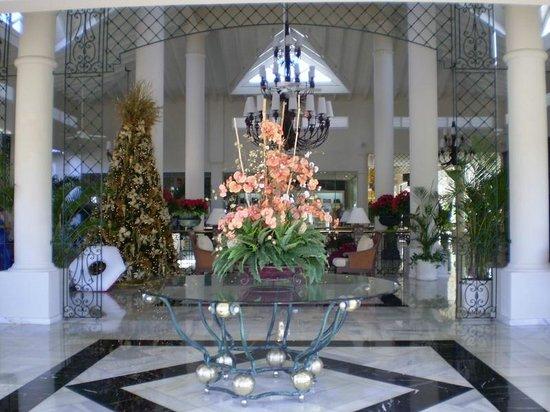 Luxury Bahia Principe Esmeralda Don Pablo Collection: El lobby.