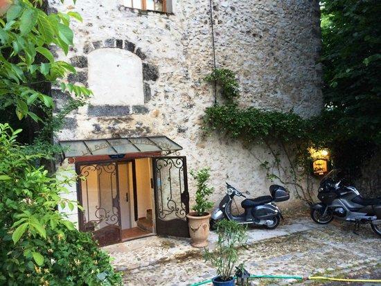La Bastide du Paradou : Entrata camere