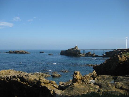 le pont et le rocher de la vierge