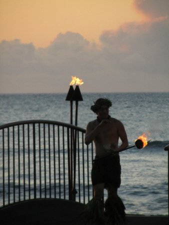 CanoeHouse : Torch lighting