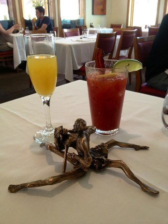 La Tour Restaurant: Bottomless Mimosa & Bloody Mary