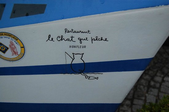Le Chat qui peche : Cute sign at the entrance
