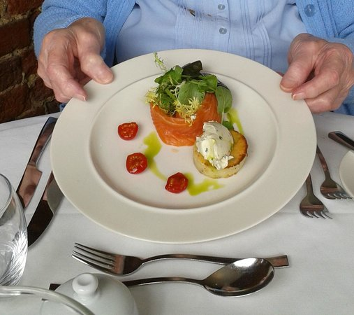 St James Restaurant: Smoked Salmon with Rosti