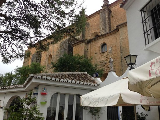 Hotel Jardin de la Muralla : Jardin Muralla- kitchen building and adj church