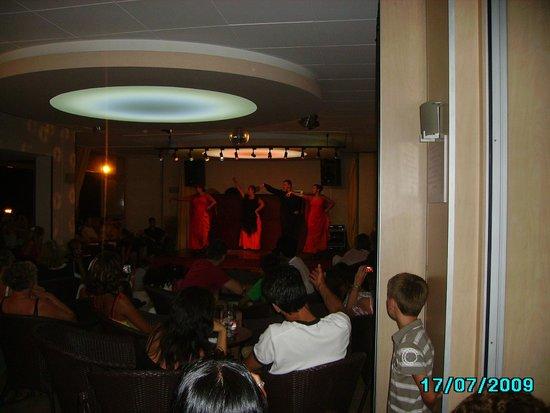 Rosamar Garden Resort: soirée sympa a l hotel