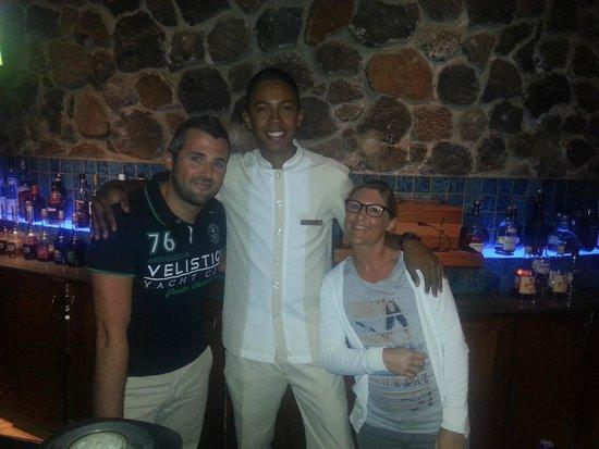 La Pirogue Resort & Spa: Le meilleur des serveurs du Blu Bar avec des cafés Créoles divins !!!!