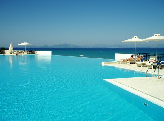 Grecotel Olympia Riviera Thalasso: All quite at the pool