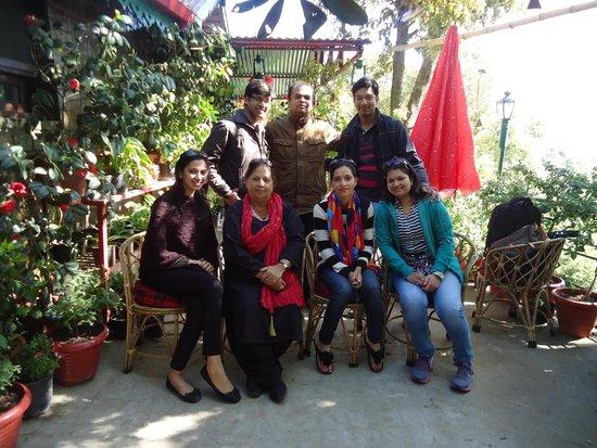 Mystic Mukteshwar Lodge: Group Photo