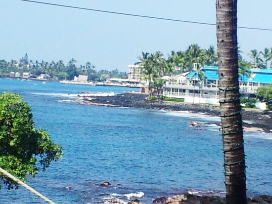 Humpy's Big Island Alehouse: view from upstairs outside patio