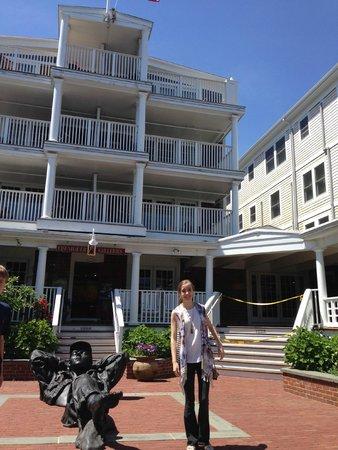 Vineyard Square Hotel & Suites: The beautiful Vineyard Square Hotel