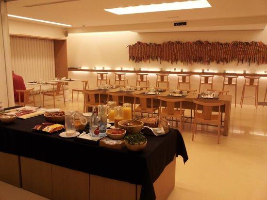 Hotel Denit Barcelona: petit déjeuner