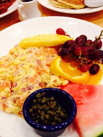Yolk : Salmon scramble with fresh fruit