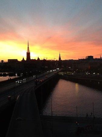 Hilton Stockholm Slussen: sunset from second floor room