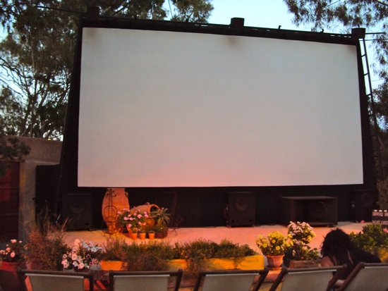 Open Air Cinema Kamari: .