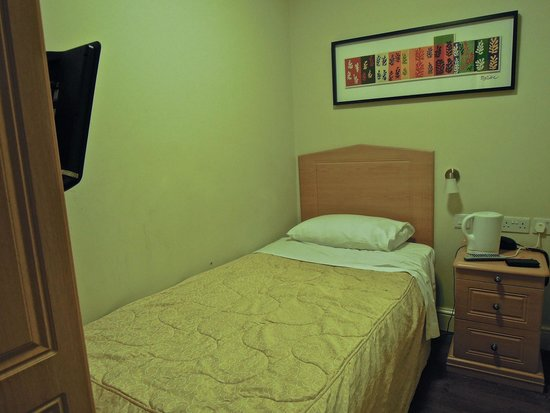 Central Hotel: View of room number 3