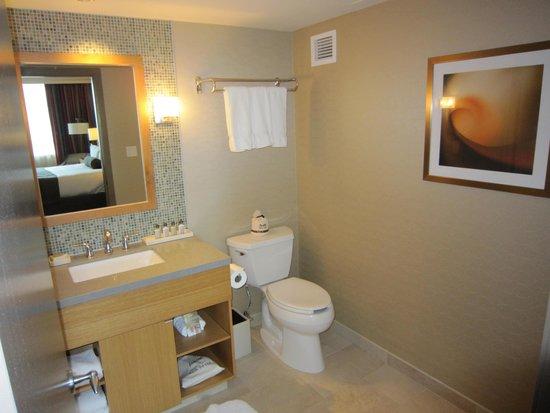 River Rock Casino Resort: bathroom 1