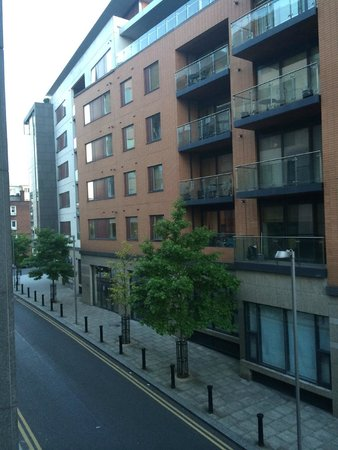 Radisson Blu Royal Hotel, Dublin: View from window towards front of hotel