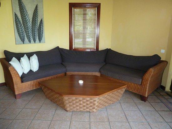 Dinarobin Beachcomber Golf Resort & Spa: salon extérieur de la chambre
