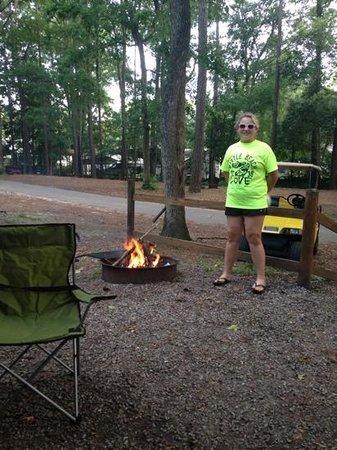 Myrtle Beach KOA Kampground: Campfire guru!!! lol!!!