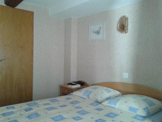 Hotel Du Boeuf: Blick ins Zimmer I