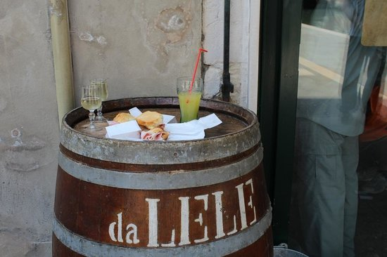 """Bacareto Da Lele: """"tavolino"""""""