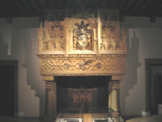 Gruuthusemuseum: Monumental fireplace