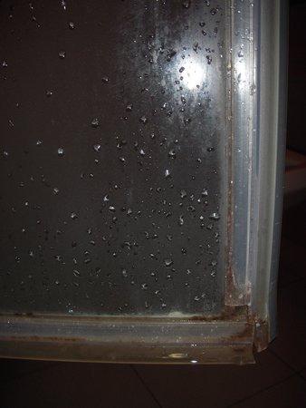 Hotel Apartamento Balaia Atlantico: ducha
