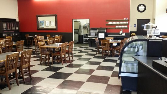 4th St. Cafe & Bakery: We have a spacious dining room, great coffee, and free wi-fi!