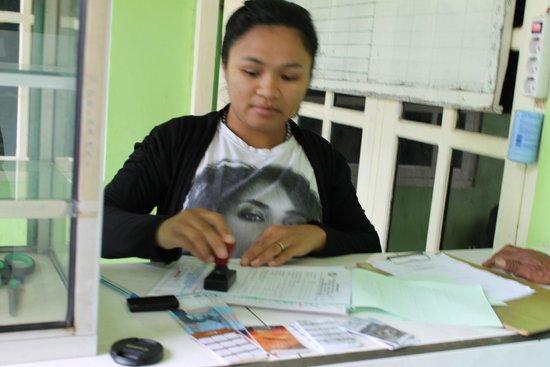 Receptionist Surya Hotel