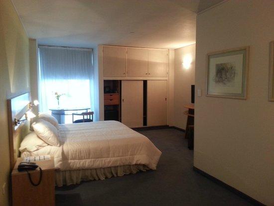 Interplaza Hotel: Habitación de 1980... ultima renovación