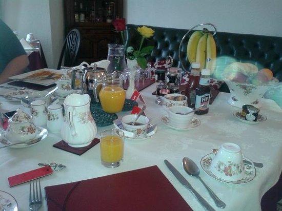 Westfield House: Breakfast table