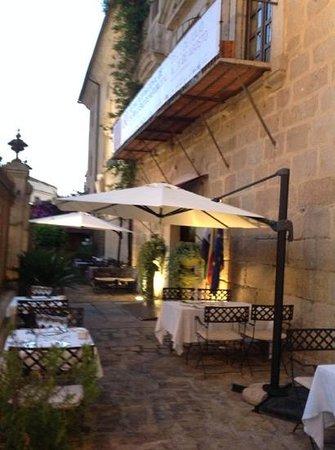 ILUNION Merida Palace: entrada al hotel Bluecity Merida Palace