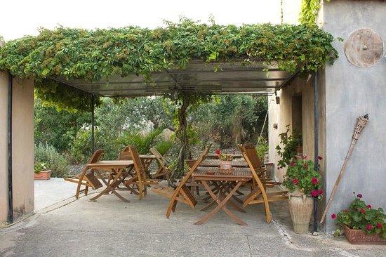 Baglio Case Colomba: la parte del baglio dove vengono servite le colazioni