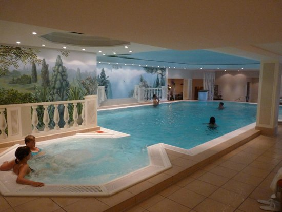 indoor pool picture of hotel palace berlin berlin tripadvisor. Black Bedroom Furniture Sets. Home Design Ideas