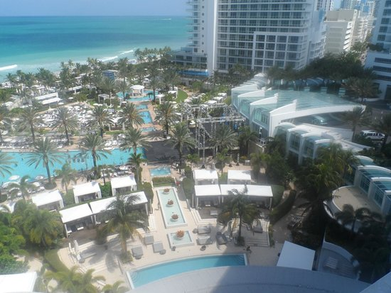 Fontainebleau Miami Beach: From the Balcony