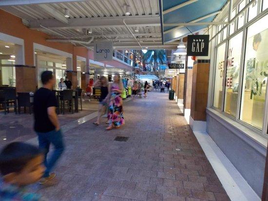 Bayside Marketplace : Bayside Miami interior