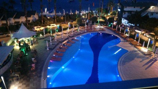 Casa De Maris Spa & Resort Hotel : View of pool from room at night