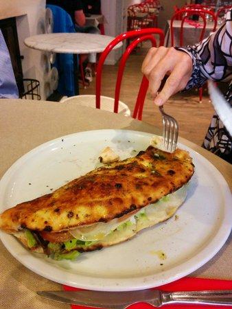La Crep'Zeria : La pizza croustina (salade, jambon, mozzarella,  tomate)