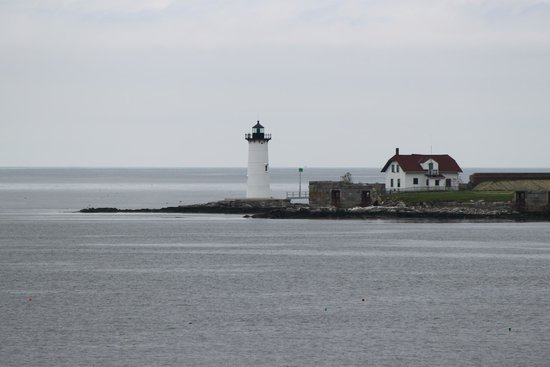 Lobster-On-The-Wharf Restaurant: Light house around Portland ME