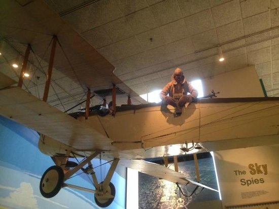 National Air and Space Museum: Макет корреспондента на борту