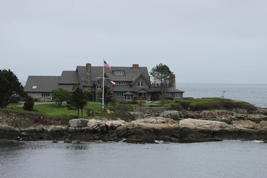 Lobster-On-The-Wharf Restaurant: President's Bush's place in Kennebunkport, ME