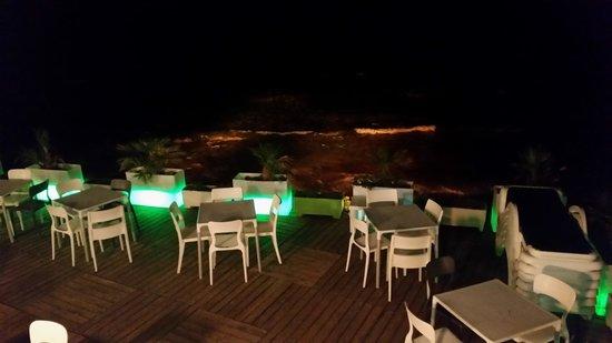 Voglimi: vista mare by night