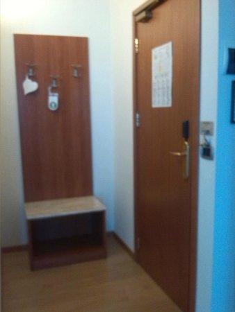 B&B Hotel Duca D'Aosta: entrata camera