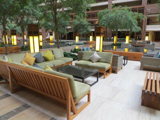 Hilton Anatole : Interior sitting