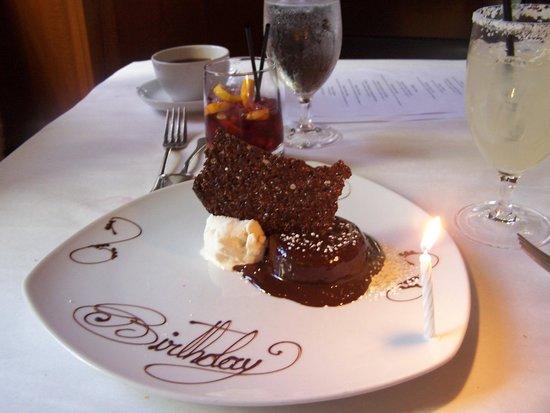 Heathman Restaurant & Bar : Birthday dessert!